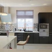 Стильная черно-белая кухня