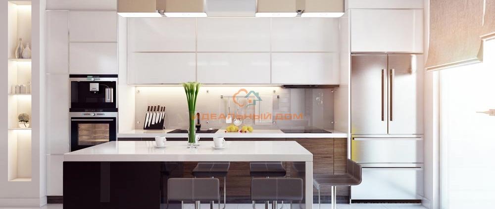 Белая кухня с обеденной зоной