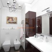Изысканный интерьер ванной комнаты