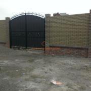 Кирпичный забор Осокорки