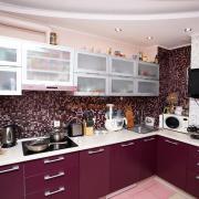 Кухня в баклажановом цвете