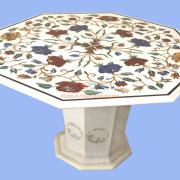 Мраморный стол с инкрустацией